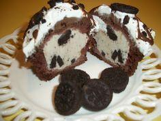 Oreo Ice Cream Cupcakes. What a cute alternative to an ice cream cake!