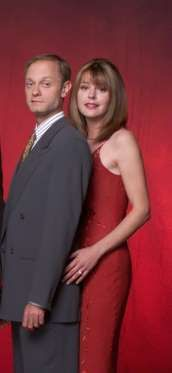 Poor Niles Crane, played by David Pierce, was always SO in love with Daphne Moon, played by Jane Leeves,