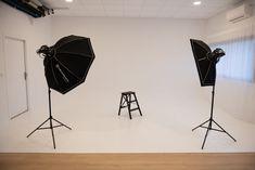Construire cyclorama pour studio photo   STUDIO AUR'IMAGE   Toulouse Toulouse, Photo Studio, Cube, Photos, Image, Home Decor, Decorated Christmas Trees, Photography Studios, Fotografia