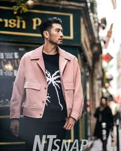 Photoset Godfrey Gao in Paris at the Massimo Dutti Fashion Show - February Godfrey Gao, Asian Men Hairstyle, Men Photoshoot, Thing 1, Photography Poses For Men, Street Snap, Asian Fashion, Men Fashion, Male Models