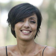 15 Fantastiche Immagini Su Ambra Angiolini Capelli Corti Haircuts