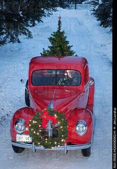 d21d1691f36f9d6a886ef757c8ac9999  christmas wreaths christmas time