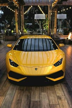 The Lamborghini Huracan was debuted at the 2014 Geneva Motor Show and went into production in the same year. The car Lamborghini's replacement to the Gallardo. The Huracan is available as a coupe and a spyder. Lamborghini Huracan, Maserati, Sports Cars Lamborghini, Koenigsegg, Lamborghini Photos, Gold Lamborghini, Luxury Sports Cars, Top Luxury Cars, Cool Sports Cars