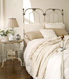 Beautiful headboard, and just the bedside table I want!!  Actually I like everything designed on the bedside table.