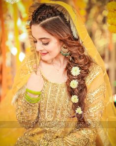 Hochzeit Pakistani Brides Giving Major Bridal Hairstyle Goals Alpi , Pakistani Brides Giving Major Bridal Hairstyle Goals [ Pakistani Brides Giving Major Bridal Hairstyle Goals [ [ [. Pakistani Wedding Hairstyles, Mehndi Hairstyles, Pakistani Bridal Dresses, Indian Hairstyles, Bride Hairstyles, Shadi Dresses, Evening Hairstyles, Simple Hairstyles, Pakistani Outfits
