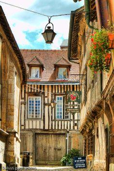 Honfleur - Le quartier et l'église Sainte Catherine - Calvados dept. - Basse Normandie région, France ...verydingdong.com