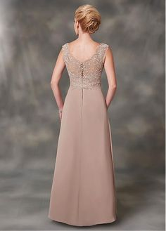 Bridesfamily Special Tulle & Chiffon V-neck Neckline A-line Mother Of Bride Dresses With Detachable Coat & Lace Appliques Wedding Flower Girl Dresses, Bride Dresses, Girls Dresses, Bridesmaid Dresses, Elegant Dresses, Beautiful Dresses, Formal Dresses, Kebaya Dress, Maxi Gowns
