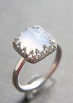 Vintage Style Chalcedony Wedding Ring Set Eco - doesn't look like a wedding set to me - I like it for a right hand ring.