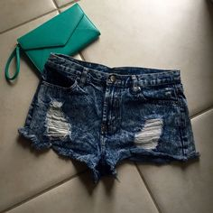High waisted jean shorts High waisted distressed jean shorts in great condition Forever 21 Shorts Jean Shorts