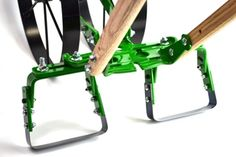 Straddle weeding kit attached to Hoss wheel hoe Low Growing Shrubs, Digging Tools, Best Garden Tools, Weeding Tools, Spreader Bar, Old Fences, Farm Tools, Home Vegetable Garden, Garden Pests