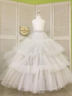 Best 12 Women's Petticoat Wedding Slip Underskirt Crinoline Prom Dress Bridal Hoop Skirt – SkillOfKing. Bridal Dresses, Wedding Gowns, Girls Dresses, Flower Girl Dresses, Prom Dresses, Petticoat For Wedding Dress, Hoop Skirt, First Communion Dresses, Fairytale Dress