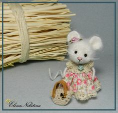 little mouse, cutest and easiest dress I've seen on an animal. She's so sweet.