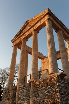 Temple of Hercules in Cori, Italy Temple Architecture, Roman Architecture, Ancient Rome, Ancient History, Famous Monuments, Renaissance Artists, Grand Designs, Places Of Interest, Place Of Worship