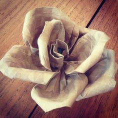Learning to make a money bouquet.using used paper bag to start with - Prawirohardjo- Paper Bag Flowers, Money Bouquet, Folding Money, Craft Projects, Craft Ideas, Starbucks, Wrapping, Origami, Boxes