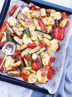 Halloumi, Oven Dishes, Grilled Veggies, Healthy Food Choices, Paella, Pasta Salad, Vegan Recipes, Vegan Food, Clean Eating