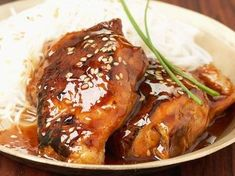 Découvrez cette recette au blanc de poulet sauce vinaigre balsamique / miel & soja sur cuisineactuelle.fr
