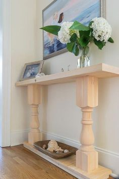 I can check this off of my DIY bucket list! This easy DIY console table was the first piece of furniture I ever tried to build. Step by step, illustrated tutorial with recommended supplies and tools. DIY furniture Build a Console Table Easy Woodworking Projects, Woodworking Furniture, Diy Wood Projects, Fine Woodworking, Furniture Plans, Popular Woodworking, Woodworking Garage, Woodworking Workshop, Woodworking Classes
