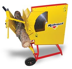 RABAUD - 80 tons power horizontal log splitter, to split in 24 or 28 logs. For wood professionnals. Electric Logs, Electric Motor, Firewood Processor, Log Splitter, Round Bar, Circular Saw, Mobile Covers, Metal Bar, Wheelbarrow