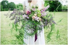 Rustic and wild wedding bouquet | Image by Elena Joland Photography