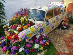 Car and garden design : lovely