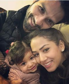 It's Hide And Seek Time For Misha Kapoor With Mommy Dearest Mira Rajput Kapoor Bollywood Images, Bollywood Couples, Bollywood Stars, Bollywood Wedding, Bollywood Fashion, Indian Celebrities, Bollywood Celebrities, Bollywood Actress, Hot Actors