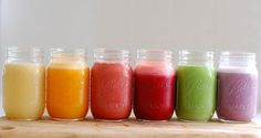 Smoothies are a great way to get more fruit and veg in your diet, and can help you loose weight. Check out our healthy smoothie recipes and get inspired! Smoothie Detox, Juice Smoothie, Smoothie Drinks, Healthy Smoothies, Smoothie Recipes, Healthy Snacks, Healthy Recipes, Smoothies Coffee, Superfood Smoothies