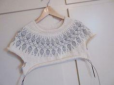 Ravelry: Humulus pattern by Isabell Kraemer Pullover Design, Sweater Design, Knitting Patterns Free, Free Knitting, Knitting Sweaters, Ravelry, Crochet Bikini, Knit Crochet, Knit Stranded