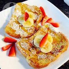 Dit recept voor 'french toast' oftewel wentelteefjes of gebakken oud brood is anders dan anders omdat er gebruik gemaakt wordt van bloem. Iedereen die het proeft vindt het lekkerder dan wat ze normaal maken.