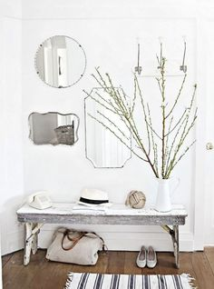 pinned by barefootblogin.com  Coastal details in the hallway