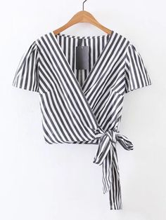 SheIn offers Surplice Front Knot Detail Top & more to fit your fashionable needs. Pretty Outfits, Cute Outfits, Summer Outfits, Casual Outfits, Mode Vintage, Blouse Styles, Everyday Outfits, Cute Tops, Pulls