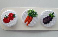 Chapas de punto de cruz - Familia de frutas, pack número 2 #veggies #vegan #pinbackbutton