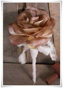 Vintage Coffee Filter Rose #PaperArt #PaperFlowers #Vintage