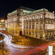 Wiener Staatsoper at night - Opera House