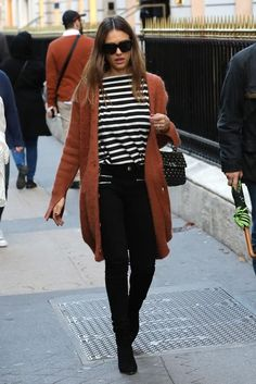 Jessica Alba wearing Valentino Rockstud Spike Bag in Black and The Great.the Sailor Tee