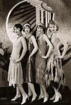 Chorus Girls on the set of Becky, Costume design by Clement Andre-Ani-The and flapper girls Flapper Girls, Flapper Style, Flapper Dresses, Flapper Fashion, Evening Dresses, Flapper Hair, 1920s Fashion Women, The Flapper, Long Dresses