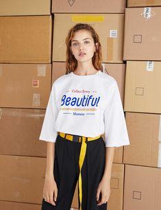 プリントTシャツ Casual T Shirts, Casual Outfits, Fashion Outfits, Buy T Shirts Online, Tee Design, Apparel Design, Cool Tees, Shirt Shop, Shirt Outfit