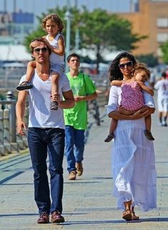 Matthew McConaughey, Camila Alves McConaughey, Levi McConaughey, and Vida McConaughey took a walk along the river in NYC New Africa, Cinema Actress, Celebrity Kids, Little Fashionista, Matthew Mcconaughey, Celebs, Celebrities, Summer Kids, Best Actor