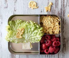 Saltletts Lunchbox für Kinder mit Baumbrot, Himbeeren und Saltletts Junior Farm.