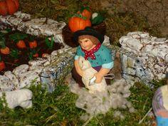Le fils de Toussaint le berger est fier de tondre les moutonscomme son papa lui a appris.
