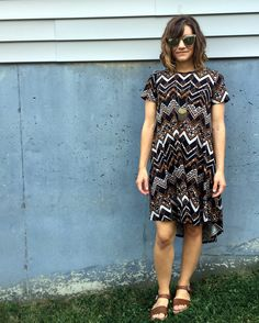 Hi Low Dresses, Cute Dresses, Short Sleeve Dresses, Lula Outfits, Cool Outfits, 2016 Fashion Trends, Lularoe Carly Dress, Thanksgiving Outfit, Clarks Originals