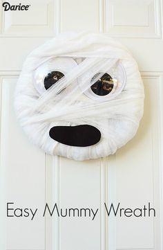 How-to: Easy Halloween Mummy Craft Wreath