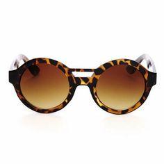 Fun tortoiseshell round frame sunglasses