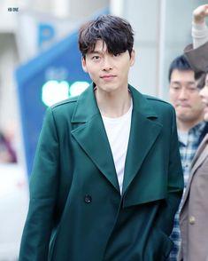 Hyun Bin, Beautiful Boys, Gorgeous Men, Asian Celebrities, Celebs, Kdrama, Hyde Jekyll Me, Handsome Korean Actors, Fashion Model Poses