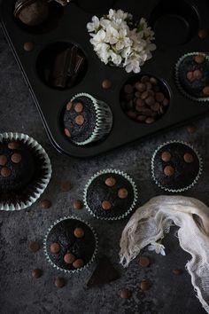 saftiga chokladmuffins Doughnuts, Muffins, Cupcakes, Chocolate, Breakfast, Food, Morning Coffee, Muffin, Cupcake Cakes