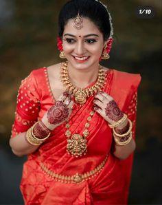 brides Dm To get featured send your 💒wedding. Kerala Hindu Bride, South Indian Wedding Saree, Indian Bridal Sarees, Bridal Silk Saree, Pakistani Wedding Outfits, Indian Bridal Outfits, Indian Bridal Fashion, Wedding Sarees, Bridal Lehenga