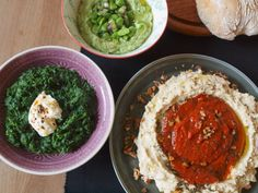 These three dips by Yotam Ottolenghi are a real asset. They are as simple as they are refined: easy to make and refined in taste and in the composition of their ingredients. I… - Food And Drinks Yotam Ottolenghi, Ottolenghi Recipes, Slow Carb Recipes, Veggie Recipes, Whole Food Recipes, Cooking Recipes, Healthy Recipes, Healthy Appetizers Dips, Popular Appetizers