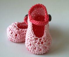Crochet mary jane baby bootie pattern. $4.99