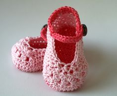 Pink mary janes baby booties -  Love!
