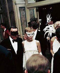 Frank Sinatra and Mia Farrow at Truman Capote's Black and White Ball