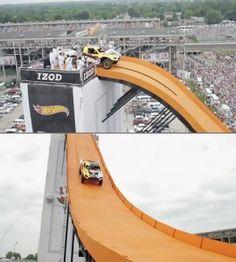 Team Hot Wheels Life-sized track breaks world record